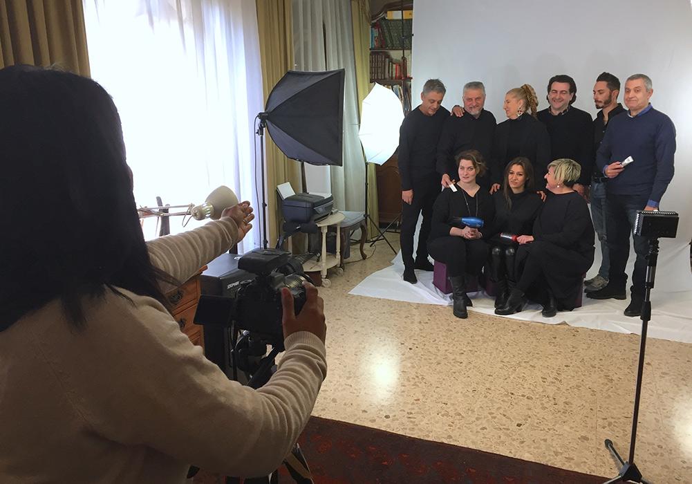 foto di gruppo a Lucca in studio